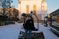 Foto-pred-kostolom-1